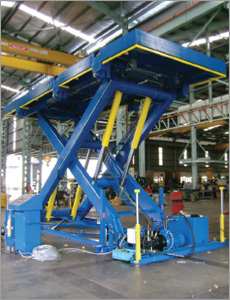 LARGE HEAVY DUTY LIFTING TABLES